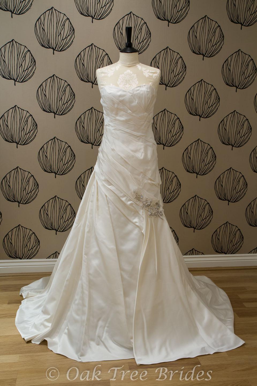 Page 1 Sale Wedding Dresses | Oak Tree Brides
