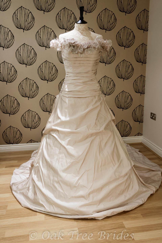 Second hand ian stuart wedding dresses flower girl dresses for Second hand wedding dresses london