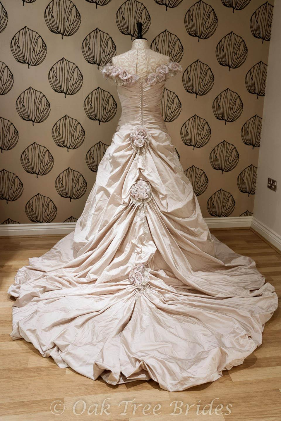 Ian Stuart Valdisaire Designer Wedding Dress | Oak Tree Brides