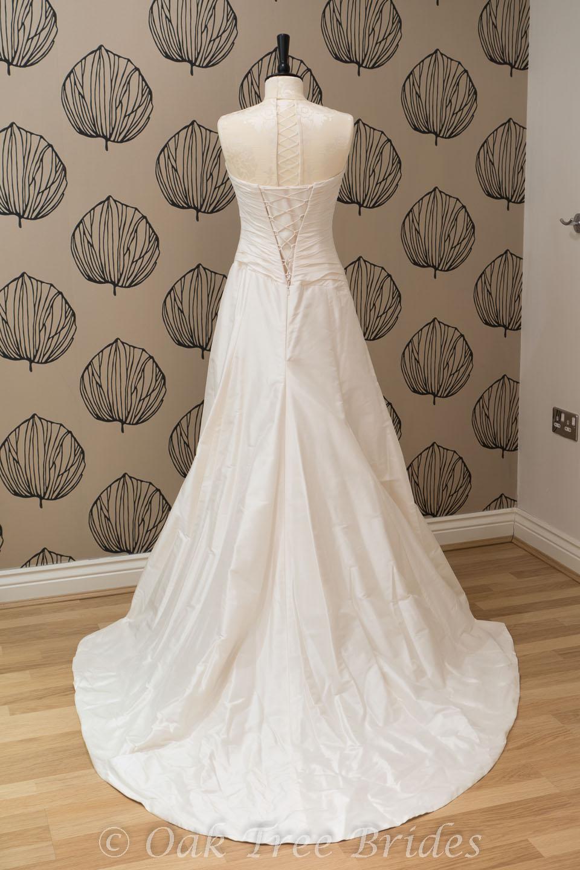 Sample wedding dresses new wedding dresses second hand for 2nd hand designer wedding dresses