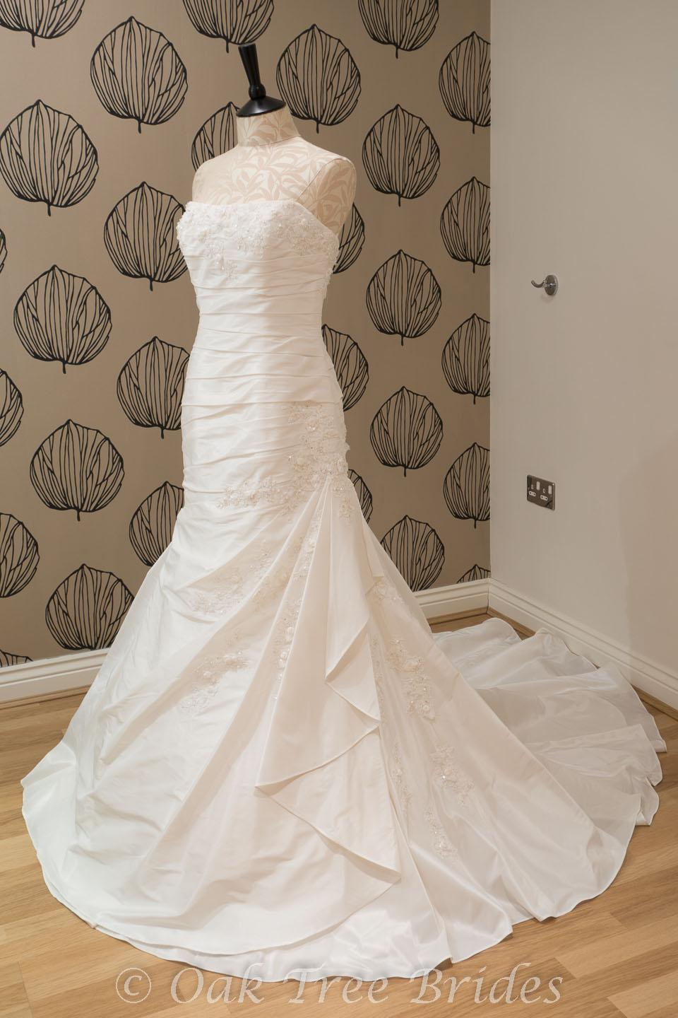 Second hand wedding gowns for sale uk flower girl dresses for 2nd hand designer wedding dresses