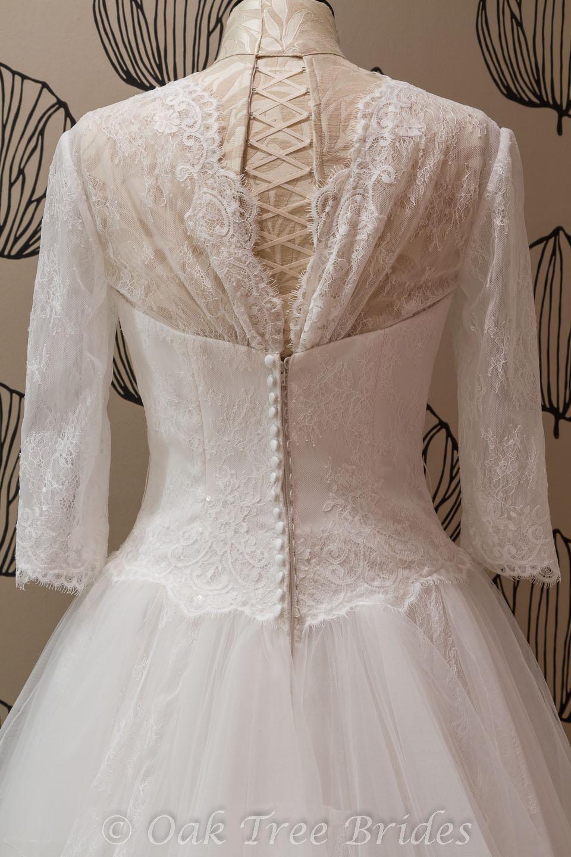 Sample wedding gowns for sale uk for Wedding dress samples for sale