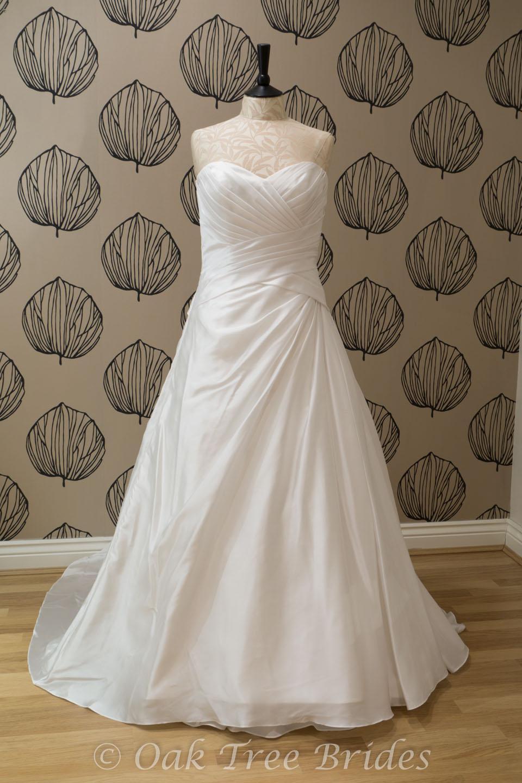 Sample wedding dresses new wedding dresses second hand for Wedding dresses for size 16