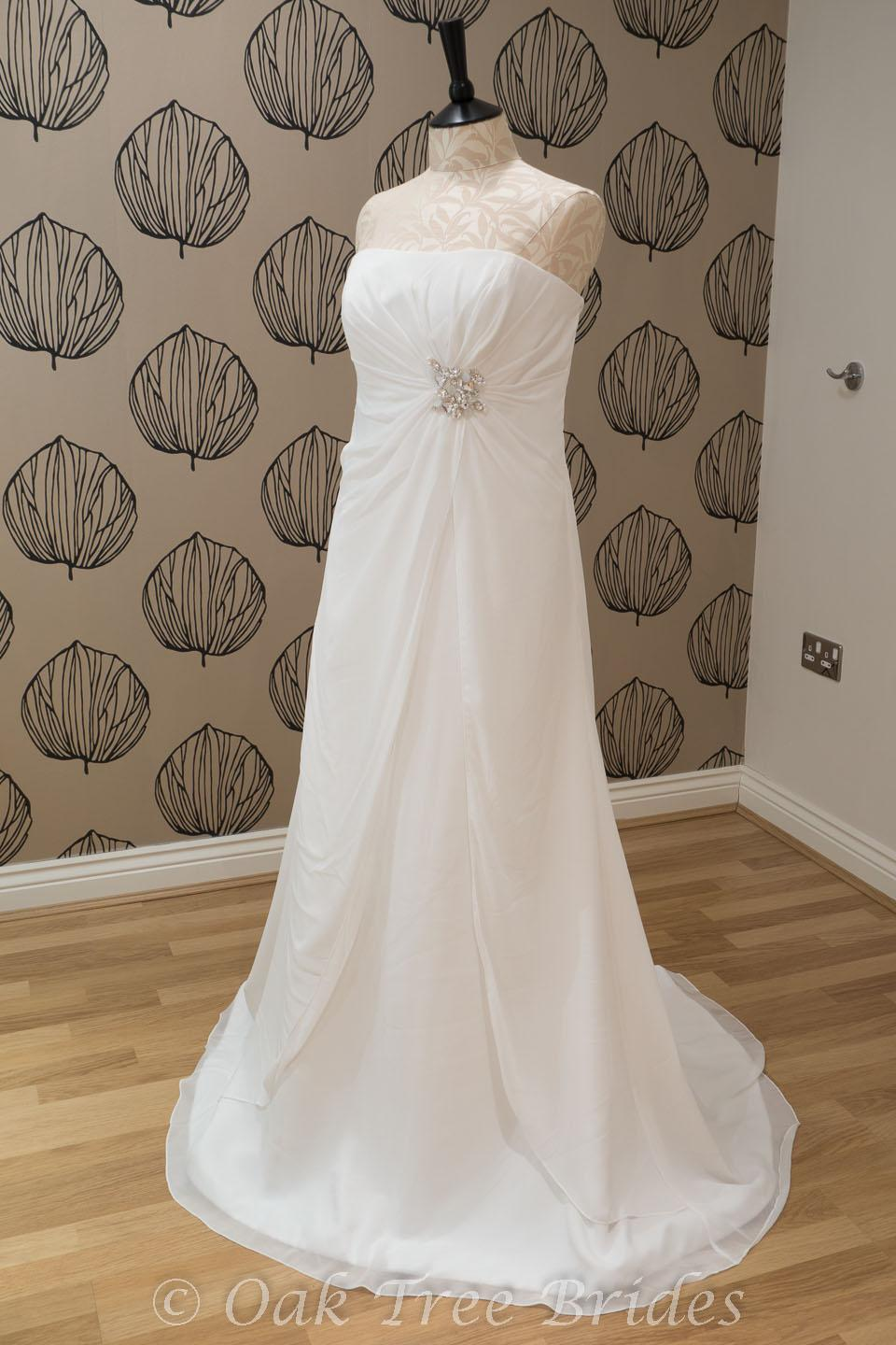 Second hand wedding dresses online for Second hand mori lee wedding dresses