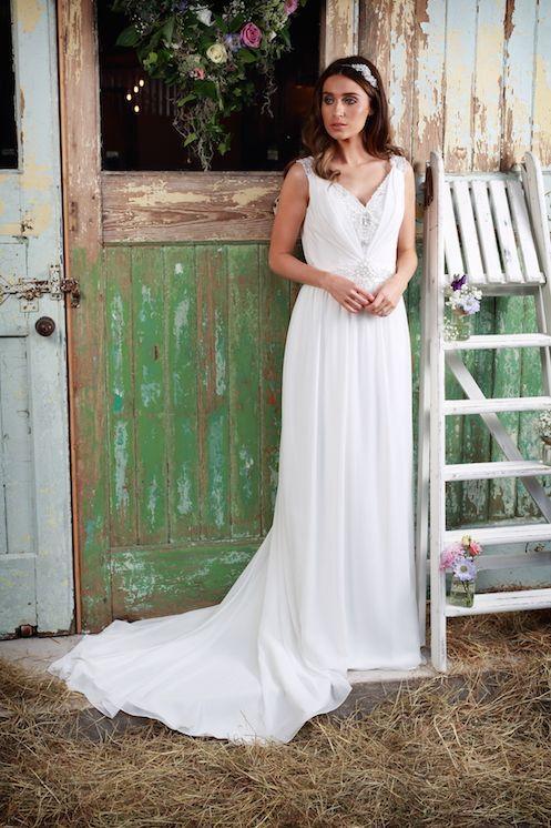 Amanda Wyatt Leanne Designer Wedding Dress   Oak Tree Brides
