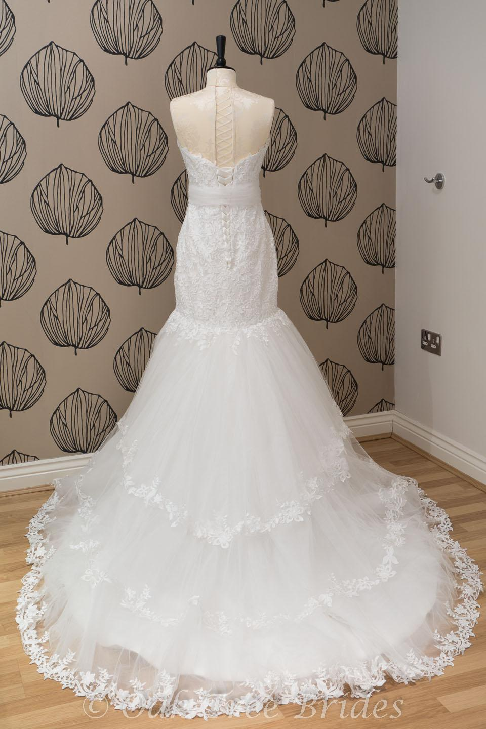 second hand wedding dresses online second hand wedding dresses Second Hand Wedding Dresses Top Preloved and Preowned Wedding Dresses directory Buy beautiful designer second hand wedding dresses at the fraction of their