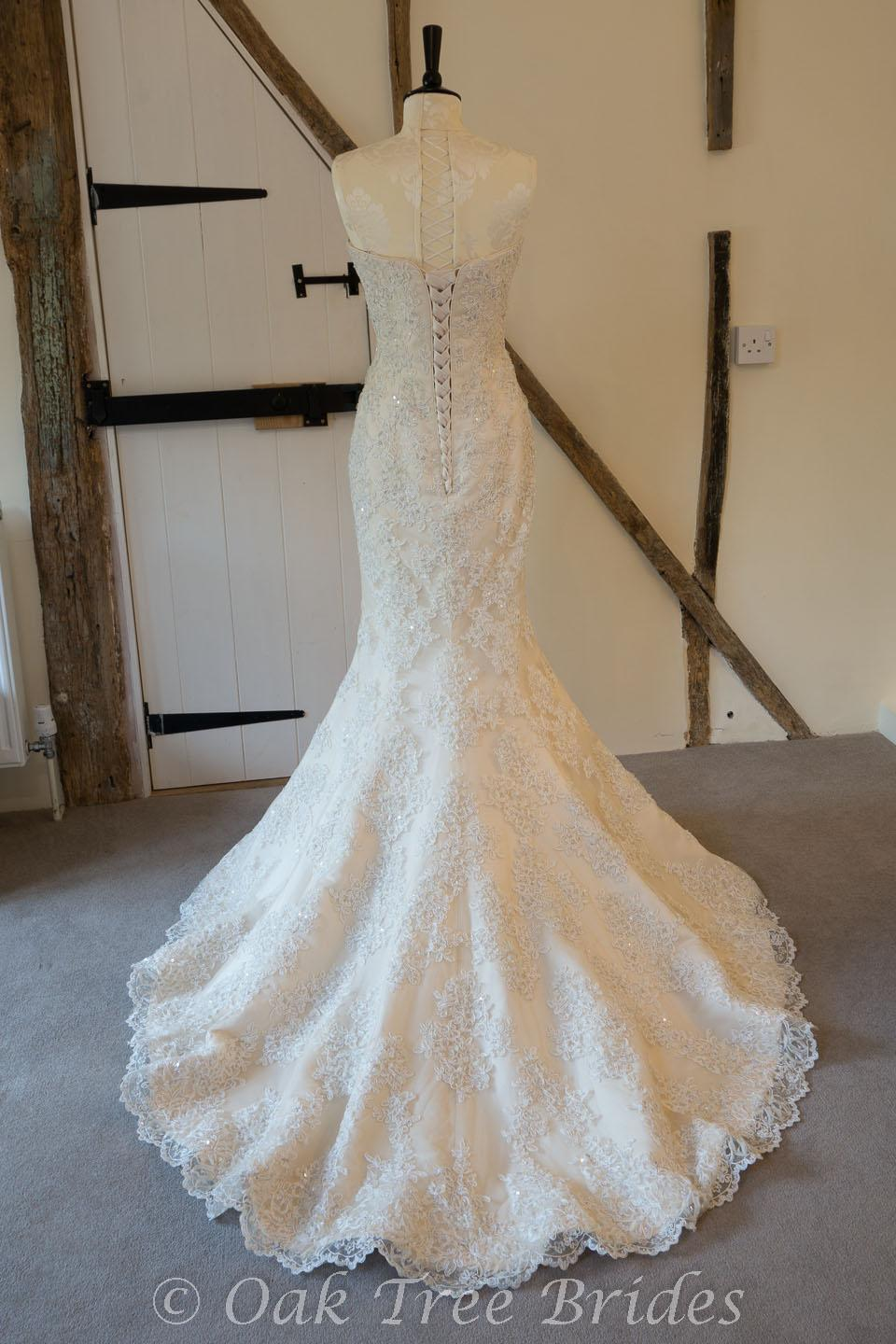 Maggie sottero phillipa designer wedding dress oak tree for Maggie sottero couture wedding dress