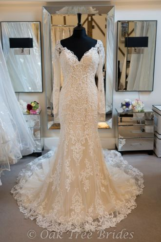 Nicole Spose Jolies 18516 Designer Wedding Dress
